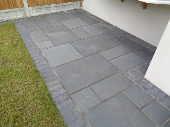 600 215 900 Pack 20 M2 Black Lime 22 Mm Calibrated Limestone