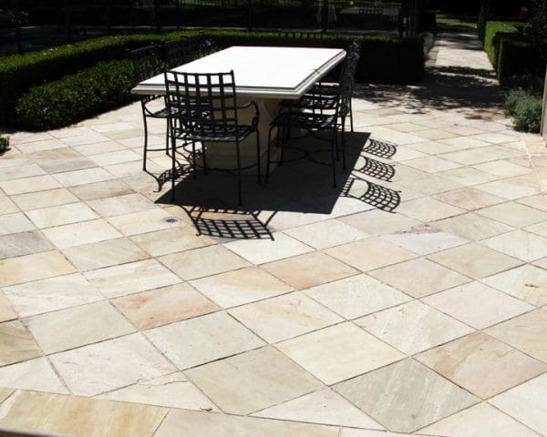 MINT SANDSTONE PAVING