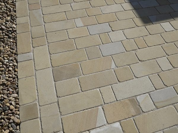 SAWN BLOCK PAVING