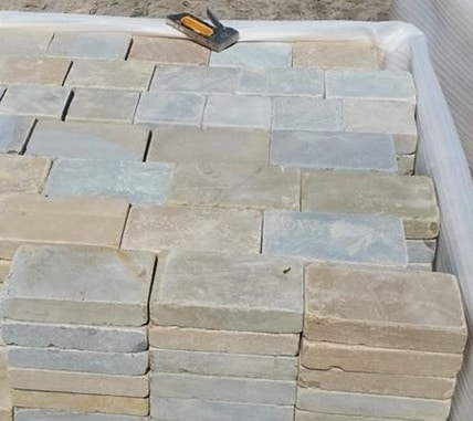 SANDSTONE BLOCK PAVING